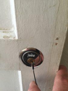 Emergency locksmith Chigwell